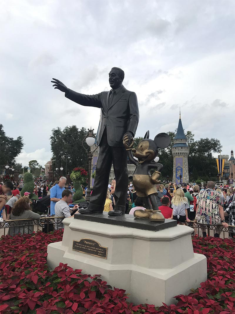 Walt Disney e Mickey - Magic Kingdom