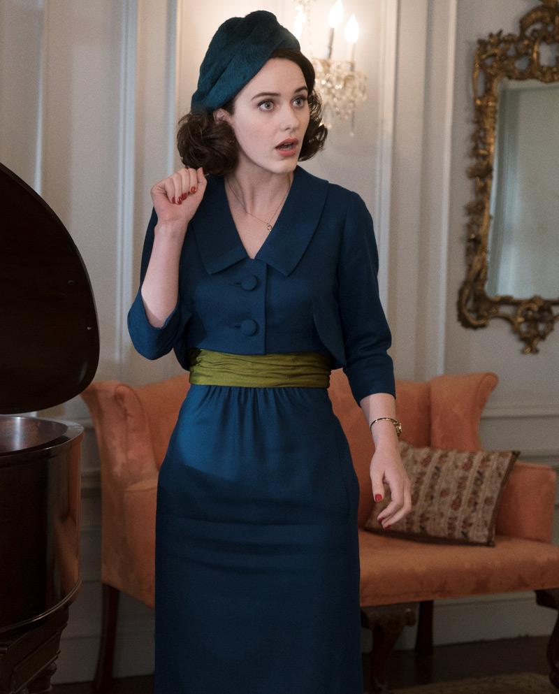 Midge de vestido azul