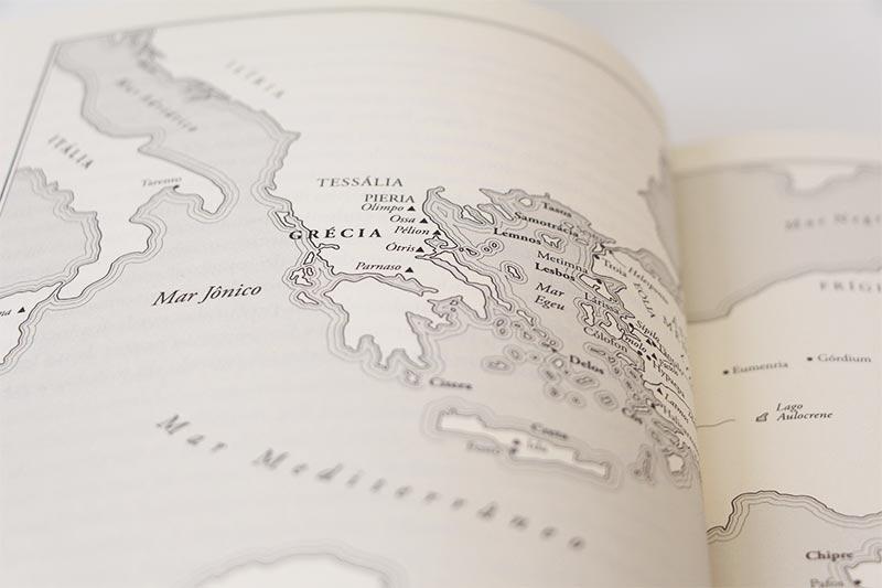 Detalhe mapa da Grécia, livro Mythos