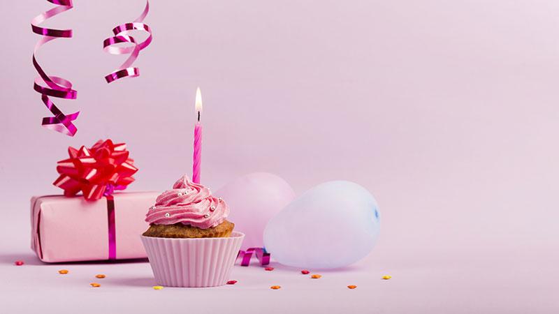 Meu aniversário está chegando! E desejo comemorar de um jeito diferente.